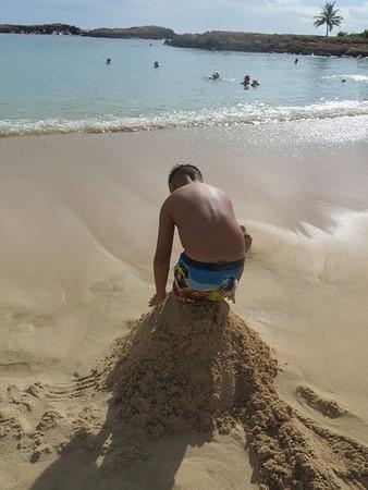 Hawaii: Oahu's Aulani - A Disney Resort Beach